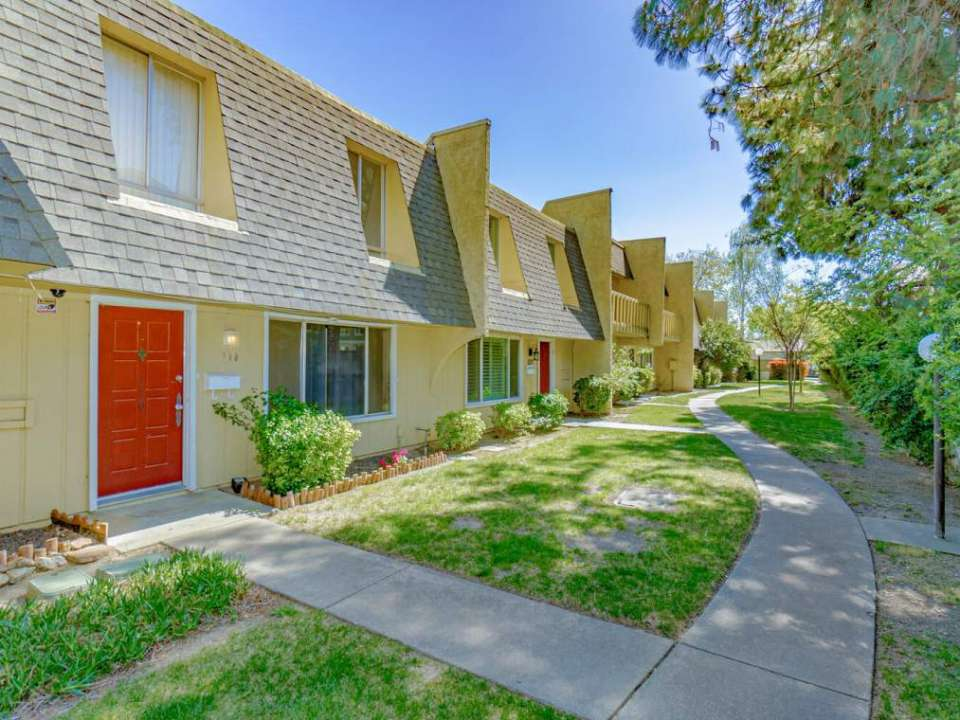 758 W Lincoln Ave #110, Woodland  EXT 309